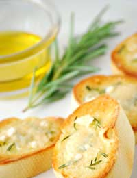 picture of rosemary garlic bread - ideas for cooking with rosemary